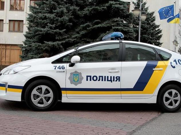В Одесской области хулиганы с гранатой угнали полицейскую машину