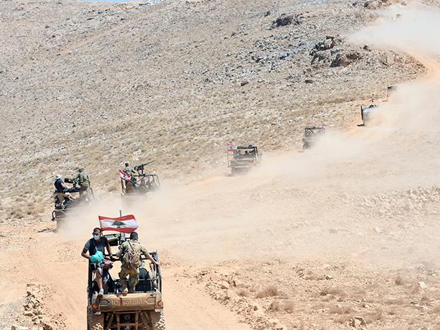 Двое российских военных погибли при обстреле в Сирии