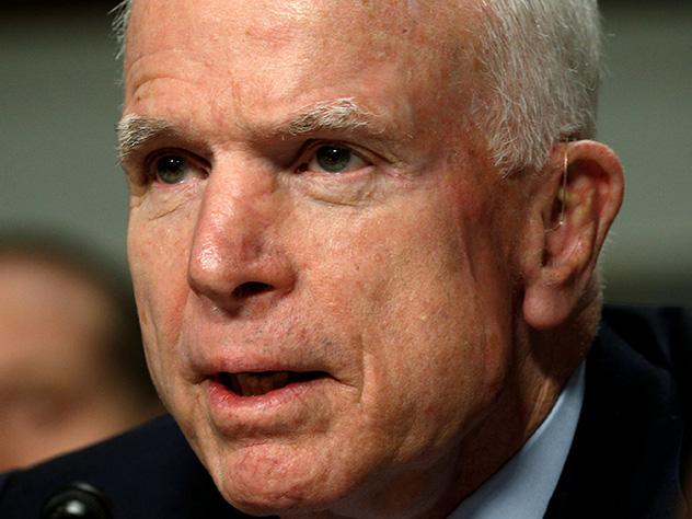 Окружение Маккейна не хочет видеть Трампа на похоронах сенатора
