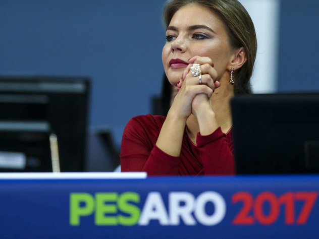 Кабаева покорила итальянских фанатов элегантным нарядом