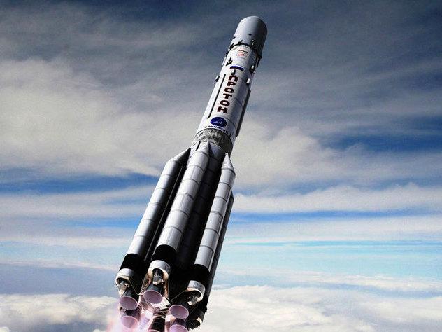 Запуск ракеты «Протон-М» cоспутником связи Amazonas 5