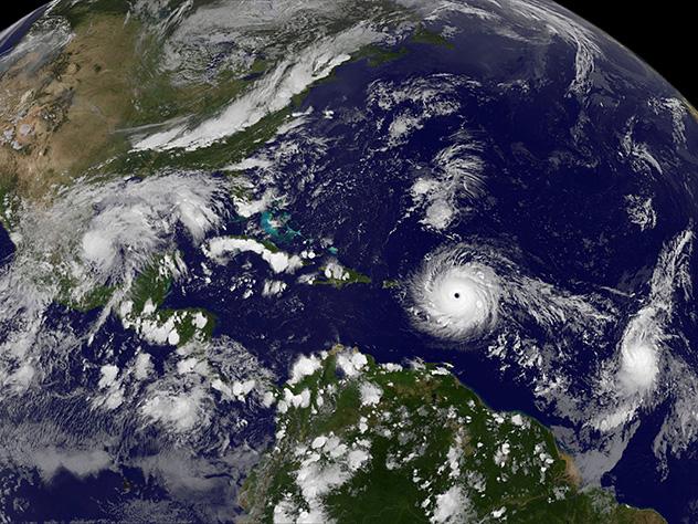 На островах Флориды объявили эвакуацию туристов