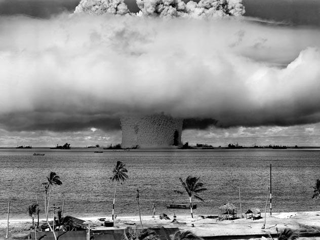 Как американцы превратили райский остров в ядерную пустыню