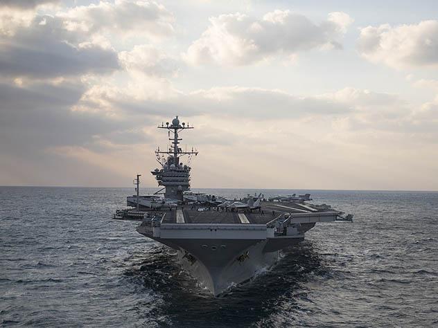 Американские моряки назвали свой корабль «плавучей тюрьмой»
