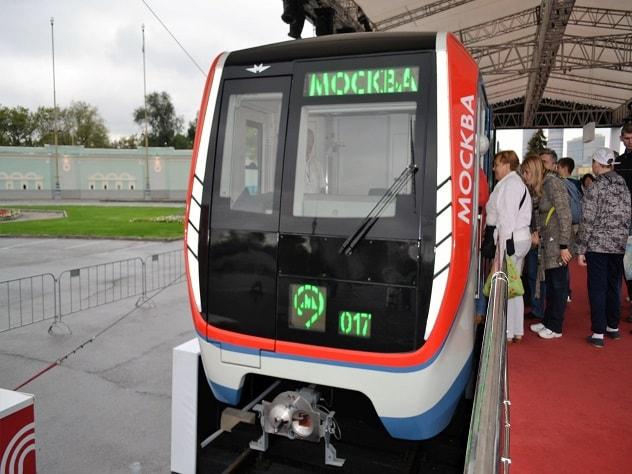В столичном метро запустили два поезда нового поколения