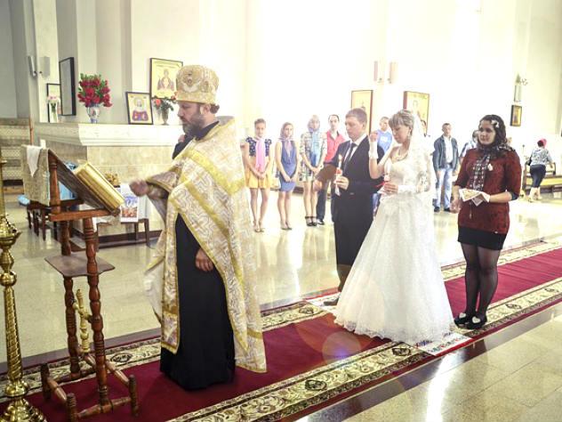 В России могут приравнять церковное венчание к регистрации брака