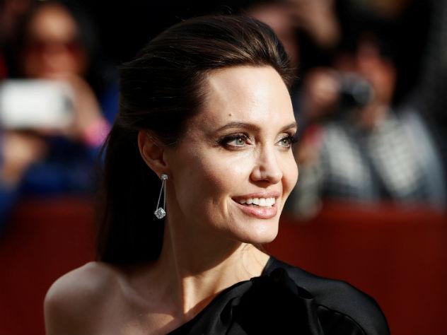Джоли обвинила в домогательствах известного продюсера