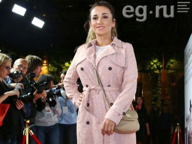 Отец Анфисы Чеховой обвинил в безнравственности знаменитую дочь