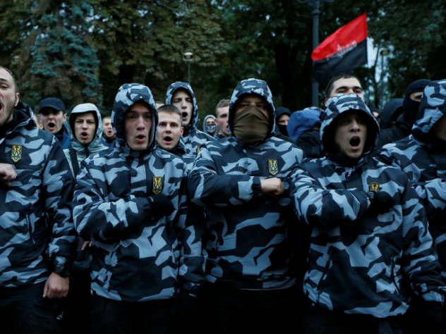 киеве проходит крупное шествие националистов