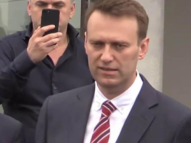 Суд отказался взыскать с Навального миллион рублей по иску лидера SERB