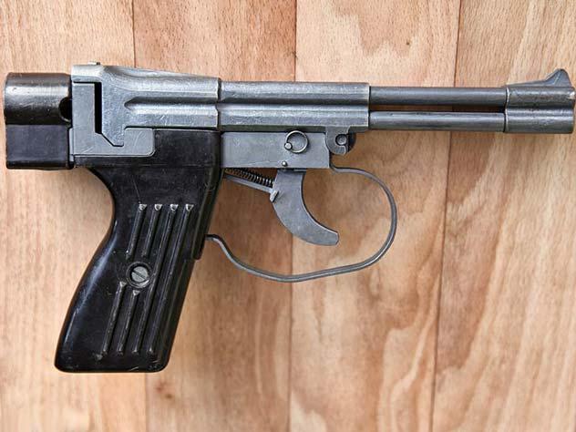 Пистолет СПП-1 – грозное оружие подводных диверсантов