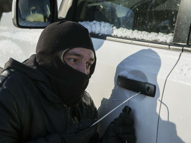 Угонщик похитил автомобиль и сдал его на металлолом