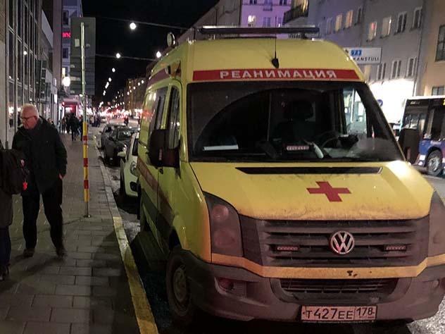 Скорая помощь с российскими номерами приехала на вызов Стокгольме