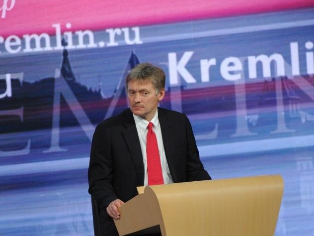 В Кремле призвали не поддаваться эмоциям из-за отстранения сборной России