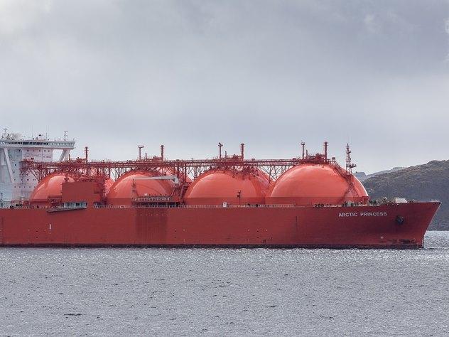 Американцы закупили у французов российский газ
