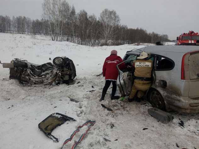 В жутком ДТП под Новосибирском погибли шесть человек