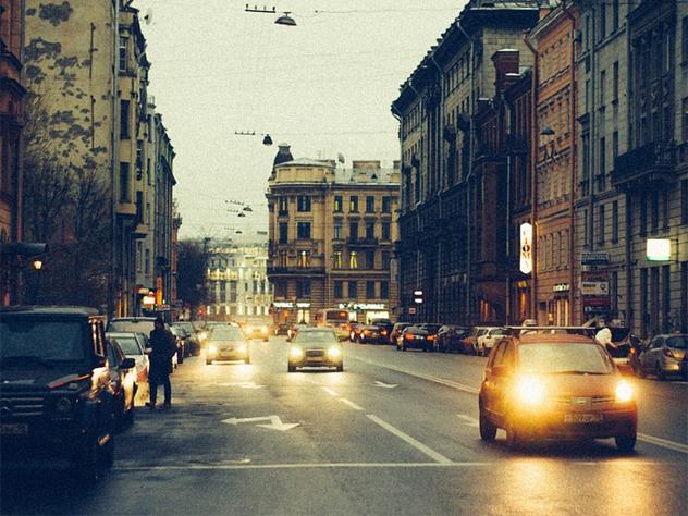 Власти Санкт-Петербурга пообещали возить инвалидов в бани на такси со скидкой