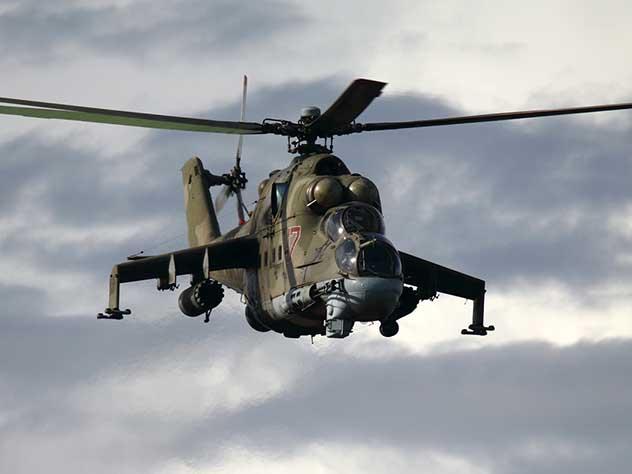 Причиной падения российского вертолета в Сирии могли стать провода