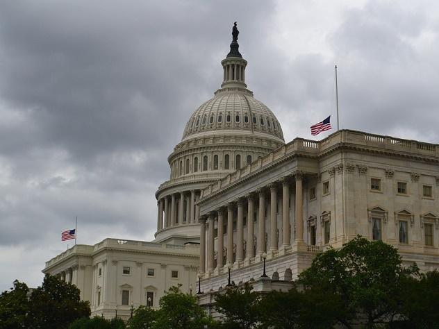 50 человек могут попасть под американские санкции