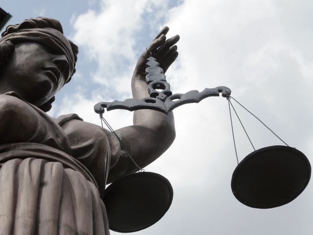 Суд разрешил несовершеннолетнему ребенку выехать в Германию без согласия отца