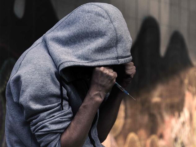 Ялтинские пожарные подрабатывали торговлей наркотиками