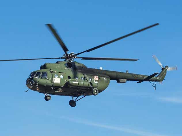 Два пилота погибли при жесткой посадке вертолета в Томской области