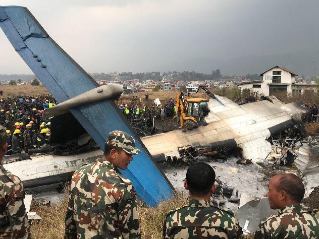При крушении самолета в Катманду погибли 50 человек
