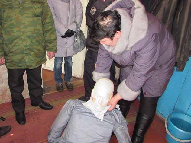 Мать шестерых детей задушила ветерана ВОВ из-за 50 тысяч рублей