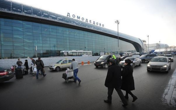 В Домодедово задымился самолет со 129 пассажирами на борту