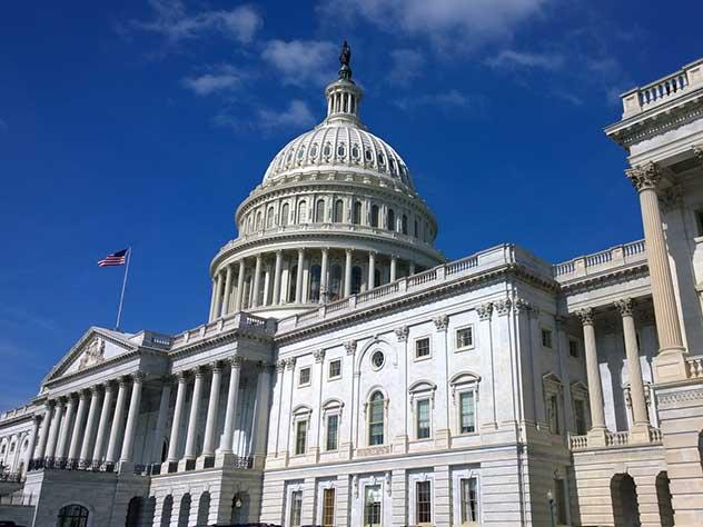 Несколько американских сенаторов раскритиковали удары по Сирии