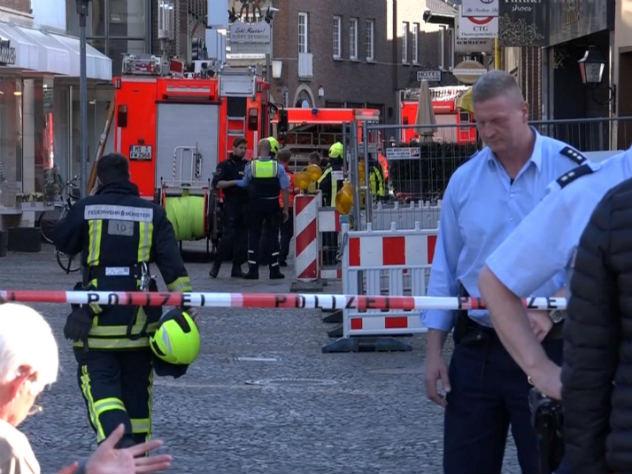В Германии мужчина на грузовике протаранил толпу людей