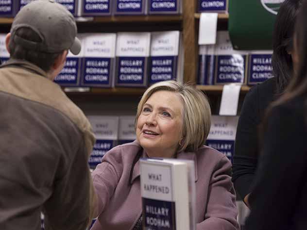 Тщеславную Хиллари Клинтон назвали позором США