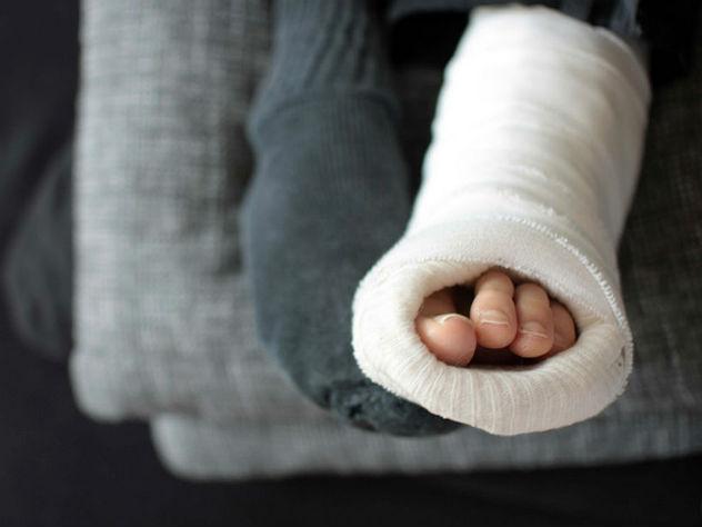 В Кургане юношу-инвалида не пустили в самолет из-за гипса на ногах