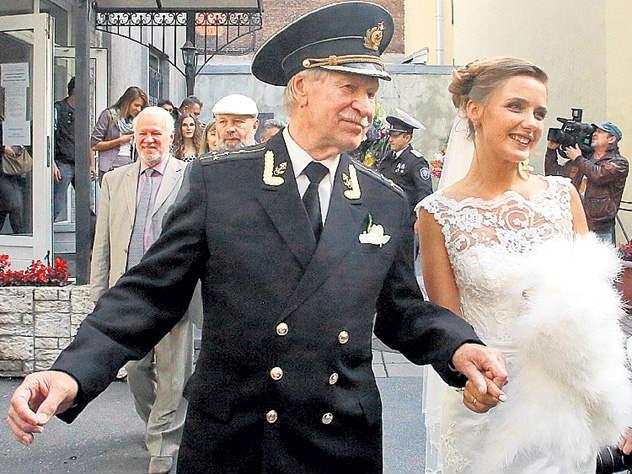 87-летний Краско хочет развода с молодой женой