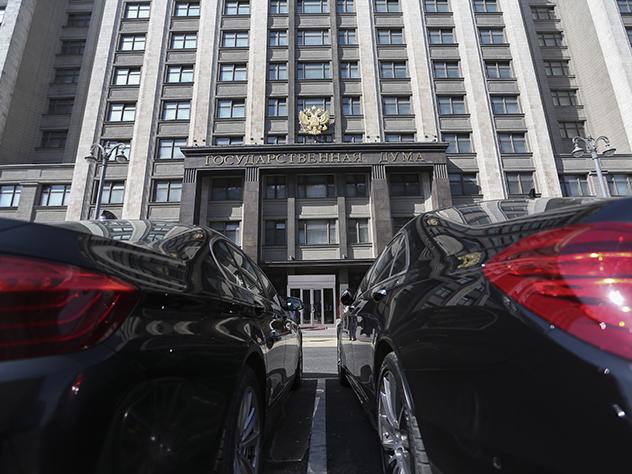 В Госдуму внесли законопроект о трех сроках президента