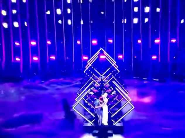 Виновник инцидента с британской певицей на Евровидении пожаловался на побои