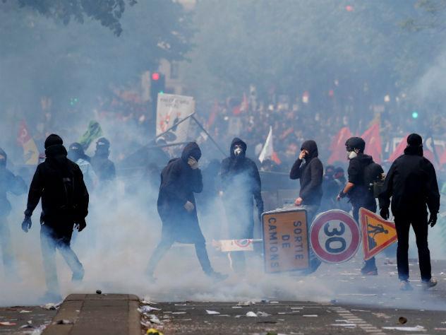 первомайская демонстрация париже переросла массовые беспорядки
