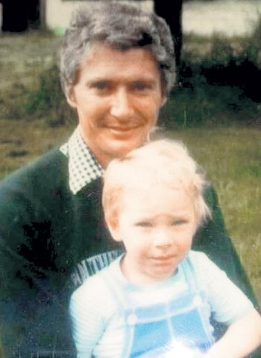 Бенедикт Камбербэтч (род. в 1976 г.) с отцом, актёром Тимоти Карлтоном