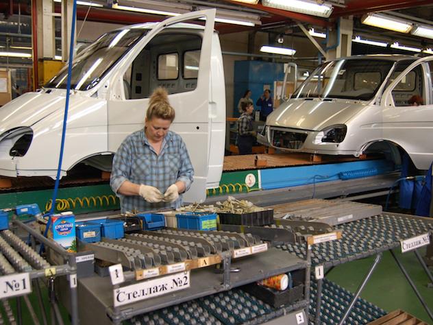 Профессия на конвейере фольксваген транспортер ролик боковой двери