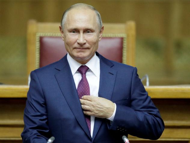 Путин одобрил идею постепенного отказа России от доллара