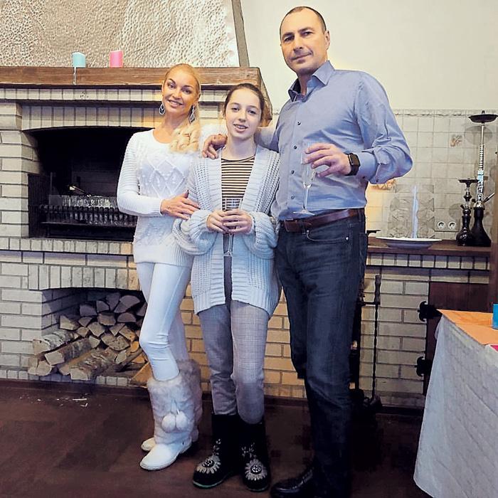 Игорь Вдовин каждый год 1 января проводит с дочкой Аришей