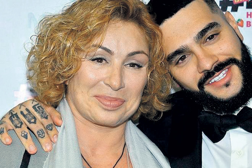 Тимур с мамой