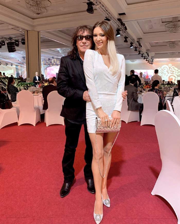 Владимир Кузьмин с молодой женой