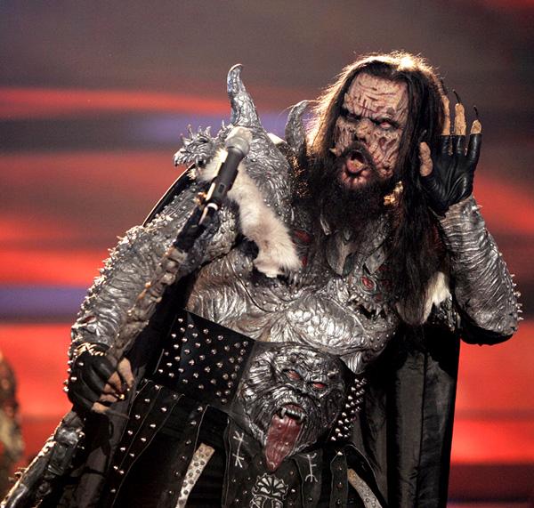 Монстр из группы Lordi. Помните его?